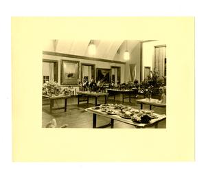 barnes_bar0091010_1934_flower_show_jones_auditorium_8_sep_1934.jpg