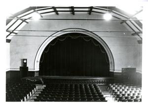 barnes_bar0099005_1930_amherst theatre town hall dec.1930.jpg